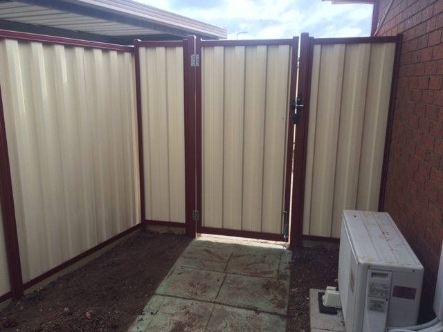 Fencing in Melton South